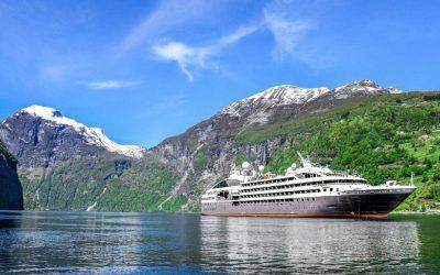 Faire une croisière dans un fjord Norvégien